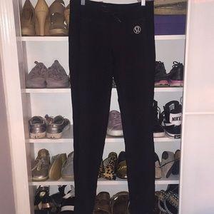 Lululemon straight leg 2 toned pants. Size M